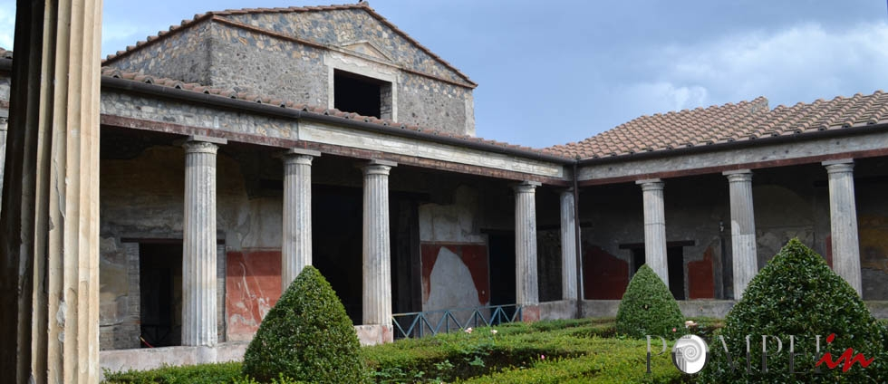 Galleria immagini siti archeologici pompeiin for Piccole case di rinascita greca